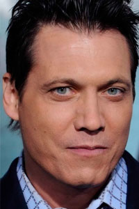Холт Маккэллани Holt McCallany - Билл Тенч